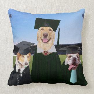 おもしろい犬の卒業の枕 クッション