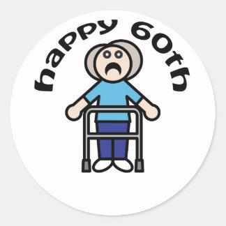 """おもしろい、""""幸せな第60""""老女のデザイン ラウンドシール"""