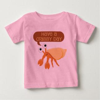 おもしろいCrabby日のギフトを持って下さい ベビーTシャツ