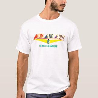 お母さんおよび叔母さんIs Best TeamWork Tシャツ