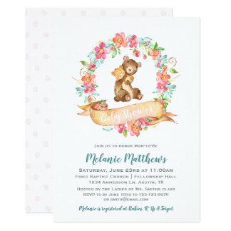 お母さんのベビーくまの水彩画の花のリースのベビーシャワー カード