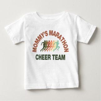 お母さんのマラソンの応援のチーム ベビーTシャツ