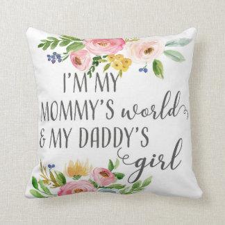 お母さんの世界のお父さんの女の子のベビーの子供部屋の枕 クッション