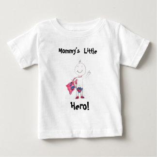 お母さんの小さい英雄! ベビーTシャツ