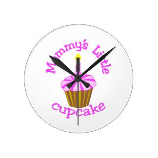 お母さんの少しカップケーキ ラウンド壁時計
