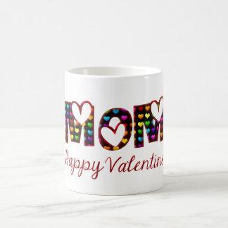 お母さんの幸せなバレンタインのかわいいハートのタイポグラフィ コーヒーマグカップ