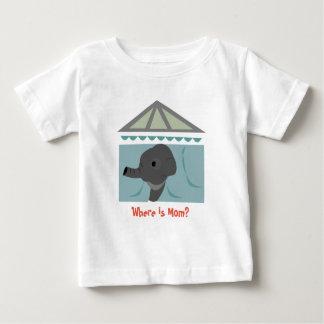 お母さんはどこにいますか。 子供のTシャツ ベビーTシャツ