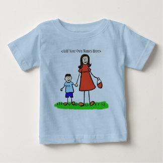 お母さん及び私Tシャツ(ブルネット-カスタマイズ名前) ベビーTシャツ