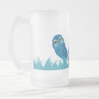 お洒落で、愛らしく青い掘り進むフクロウの芸術 フロストグラスビールジョッキ