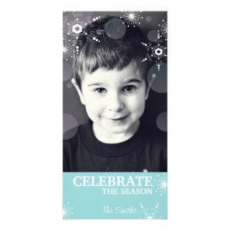 お洒落なクリスマスの写真カードティール(緑がかった色)の雪片の点 カード
