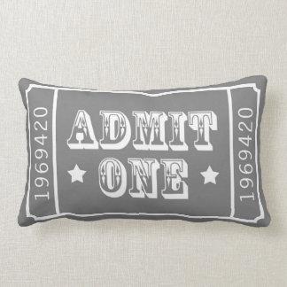 お洒落なサーカスの劇場チケットは1つを是認します ランバークッション