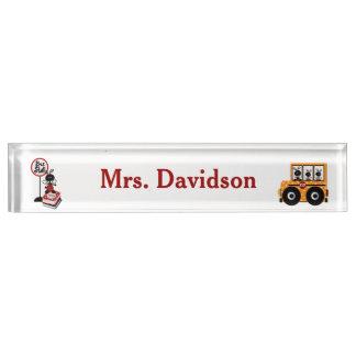 お洒落なスクールバスの先生の机用ネームプレート デスクネームプレート