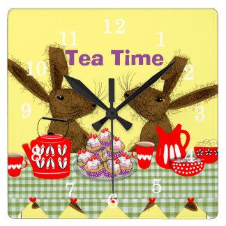 お洒落なノウサギのお茶会 スクエア壁時計