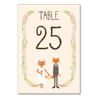 お洒落な森林はアイボリーの結婚式のテーブルカードを孤色に変色させます カード