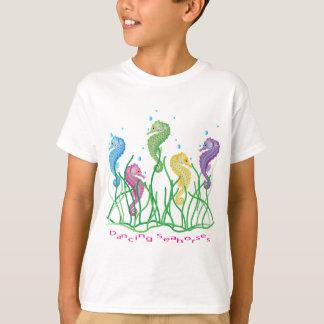 お洒落な踊りのタツノオトシゴのデザイン Tシャツ