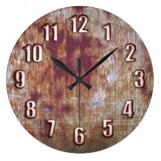お洒落な青銅色数を用いる錆つかせた金属 ラージ壁時計