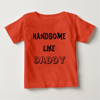 お父さんのようにハンサムTシャツをからかいます ベビーTシャツ