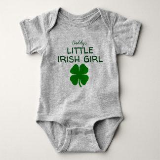 お父さんの小さいアイルランドの女の子 ベビーボディスーツ
