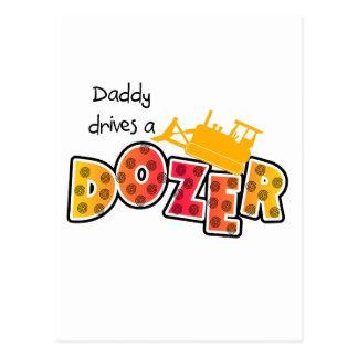 お父さんはDozerのTシャツおよびギフトを運転します ポストカード