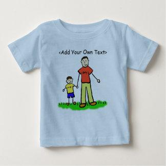 お父さん及び私小さい男の子のワイシャツのブルネット(両側) ベビーTシャツ