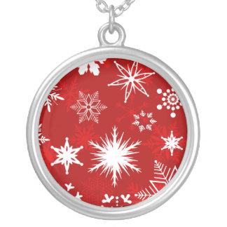 お祝いのクリスマスの雪片 シルバープレートネックレス