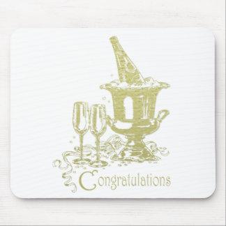 お祝いのシャンペンの芸術 マウスパッド