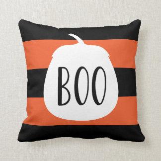 お祝いのハロウィンの装飾の黒のオレンジはっきりしたなストライプ クッション