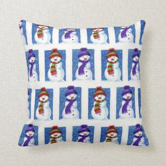 お祝いの雪だるまパターン装飾用クッション クッション