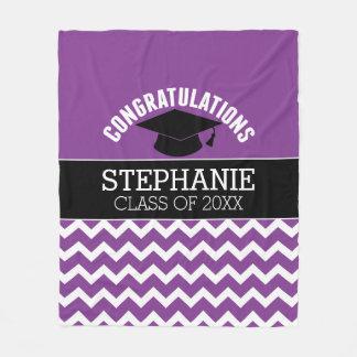 お祝いは-紫色の黒い卒業を卒業させます フリースブランケット