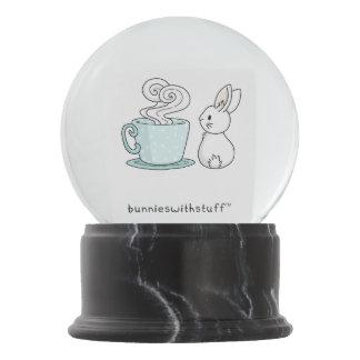 お茶が付いているバニー スノーグローブ