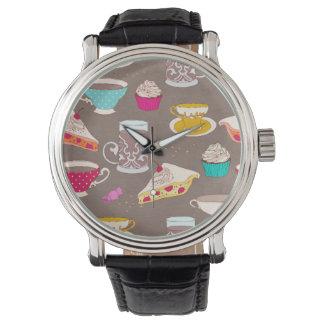 お茶会のデザートのプリントのカップケーキパイ落書き 腕時計
