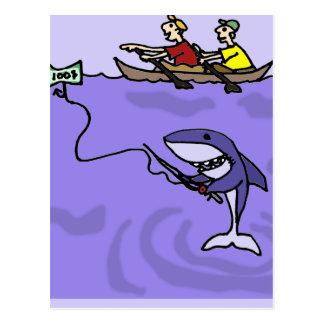 お金が付いているおもしろいな鮫の魚釣り ポストカード