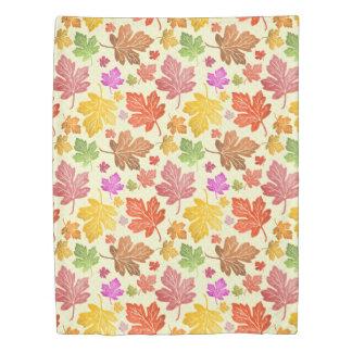 かえでの葉の色彩の鮮やかでカラフルな秋の季節 掛け布団カバー