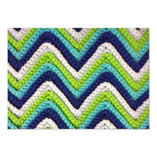 かぎ針編みのシェブロンの青い招待状 カード