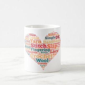 かぎ針編みの単語の雲 コーヒーマグカップ