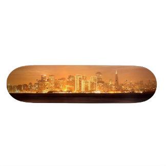 かすんでいる12月のサンフランシスコに置く月 18.1CM オールドスクールスケートボードデッキ