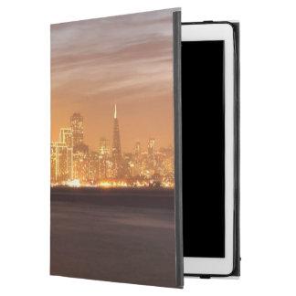 """かすんでいる12月のサンフランシスコに置く月 iPad PRO 12.9"""" ケース"""