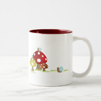 かたつむりおよびきのこのマグ ツートーンマグカップ