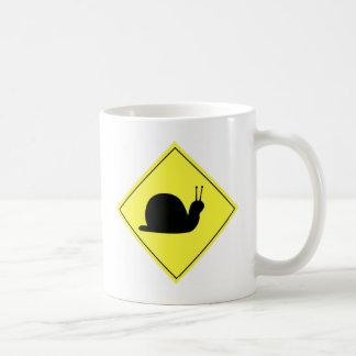 かたつむりの交差の印 コーヒーマグカップ
