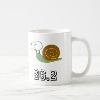 かたつむり26.2 (マラソン) コーヒーマグカップ