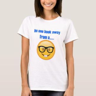 から遠くにな1冊の本…. Emoji Tシャツ