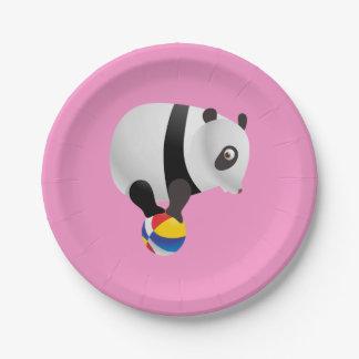 かわいいかわいいのパンダのバランスをとる球 紙皿 小