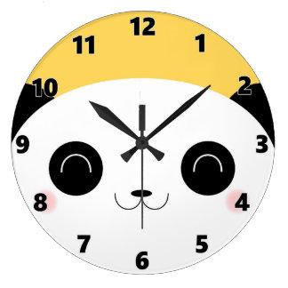 かわいいかわいいのピーカーブ式パンダの顔の黄色 ラージ壁時計