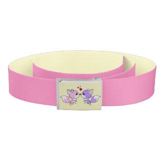 かわいいかわいいはピンクおよび紫色の女の子の漫画を孤色に変色させます ベルト