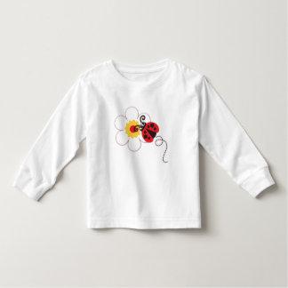 かわいいてんとう虫の女の子の赤く白いTシャツ トドラーTシャツ