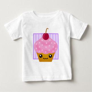 かわいいのさくらんぼのカップケーキの服装 ベビーTシャツ