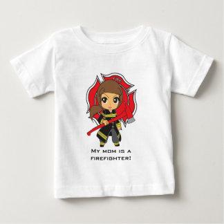 かわいいのカスタマイズ可能なブルネットの消防士の女の子- ベビーTシャツ