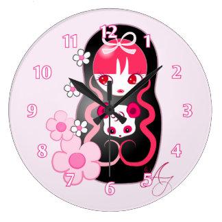 かわいいのピンクのパンダくまMatryoshka ラージ壁時計