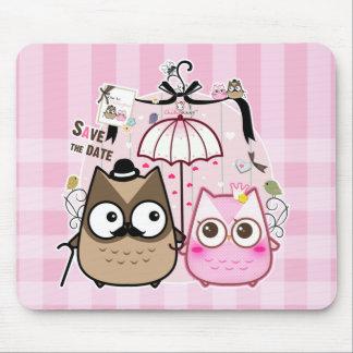 かわいいのフクロウのカップル マウスパッド