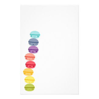 かわいいの虹によって積み重ねられるマカロン 便箋